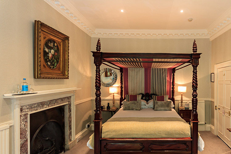 Classic Four Poster Room - Paradise House Bath - Bath