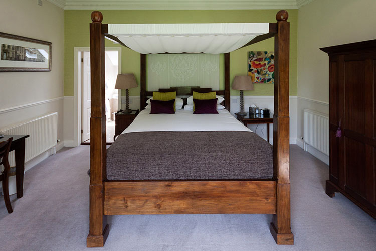 Superior Deluxe Four Poster Room - Paradise House Bath - Bath