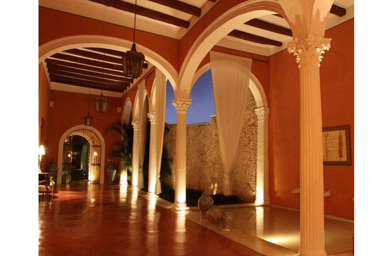Interior Night View - Hotel Hacienda Mérida VIP - Merida