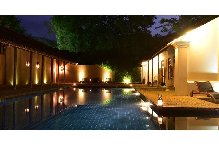 Pool Night View - Maya - Aranwella