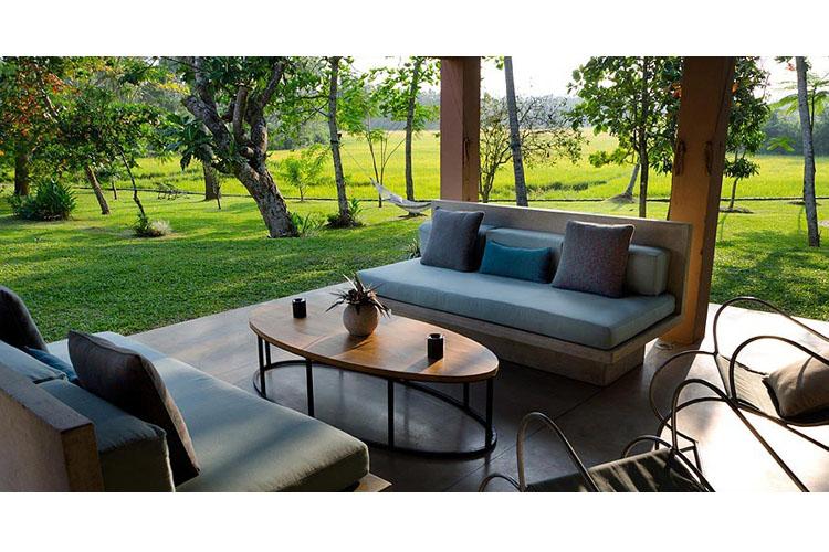 Exterior Lounge - Maya - Aranwella