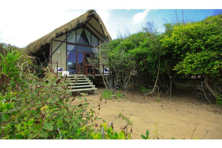 Facade - Jungle Beach Resort - Kuchchaveli