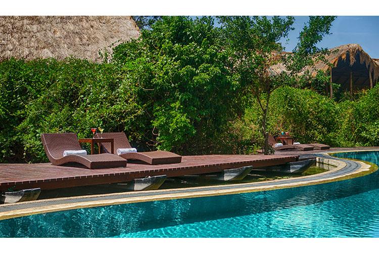 Pool - Jungle Beach Resort - Kuchchaveli