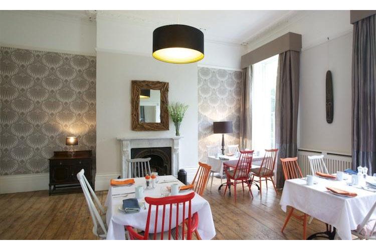 Dining Room - Ravenhurst Bed & Breakfast - Cheltenham