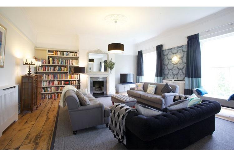 Drawing Room - Ravenhurst Bed & Breakfast - Cheltenham