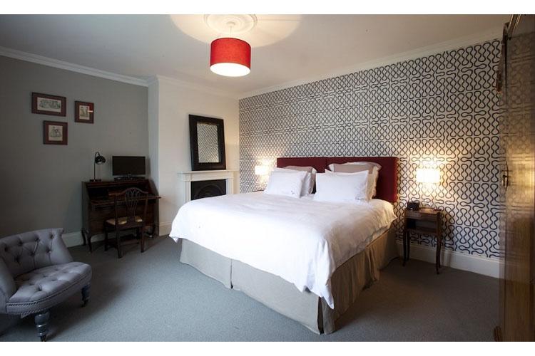 Wisteria Double Room - Ravenhurst Bed & Breakfast - Cheltenham