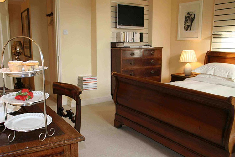 The Garden View Suite - Oak House No1 Hotel - Tetbury