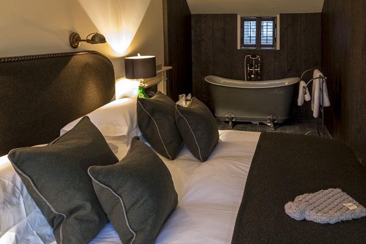Double Room - No131 The Promenade - Cheltenham