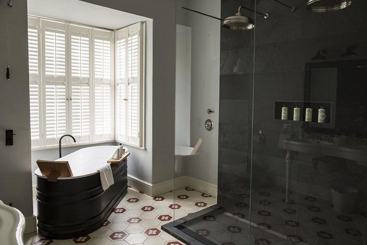 Bathroom - No131 The Promenade - Cheltenham