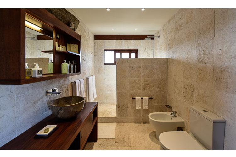 Bungalow Bathroom - Barbuda Belle - Codrington