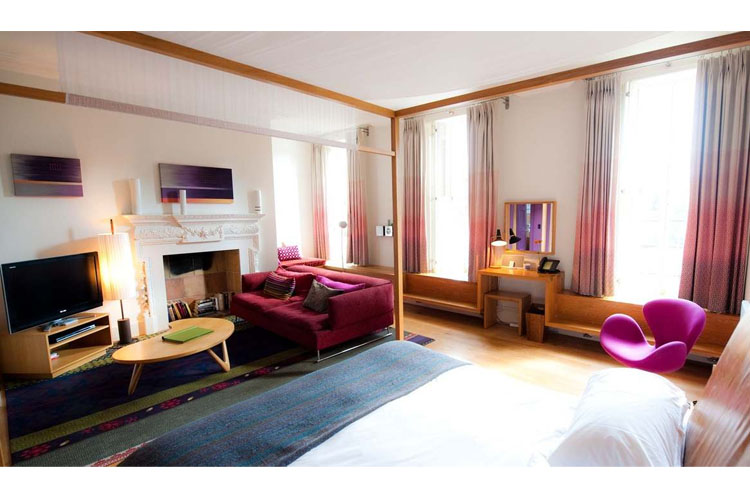 Exceptional Room - Cowley Manor Hotel - Cheltenham