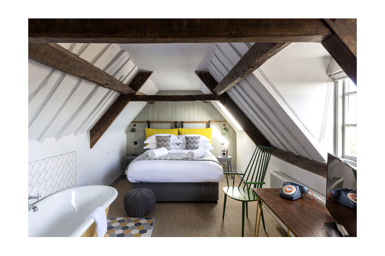 Double Room 12 - The Old Stocks Inn - Stow on the Wold