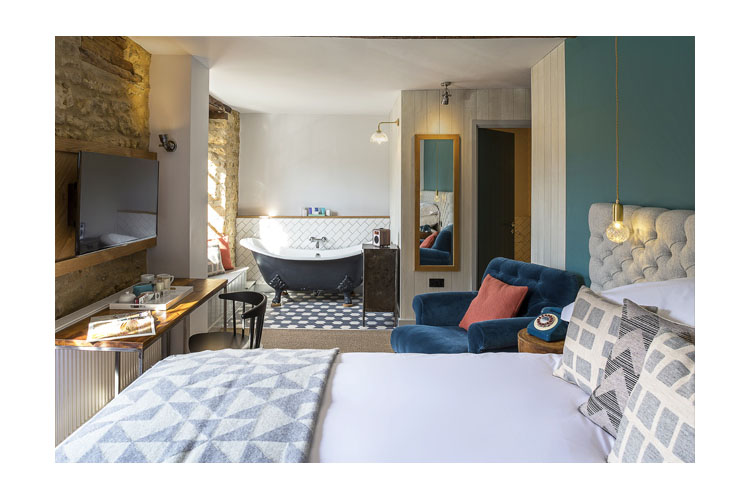 Double Room 15 - The Old Stocks Inn - Stow on the Wold