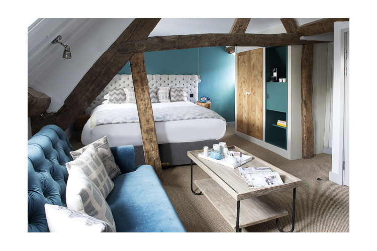 Double Room 21 - The Old Stocks Inn - Stow on the Wold