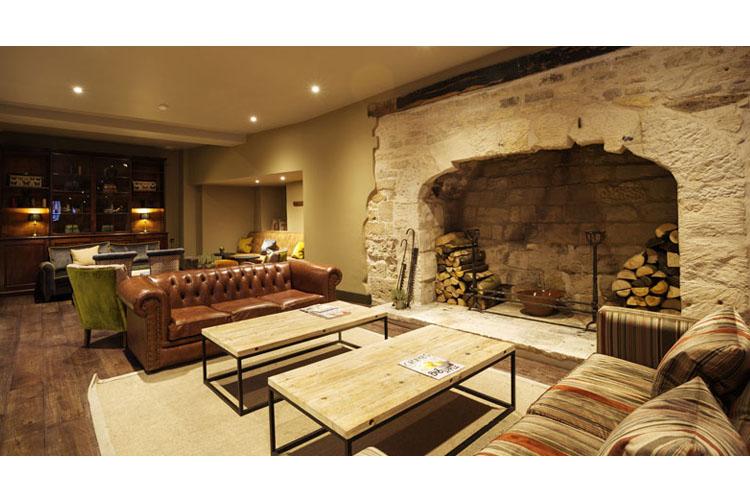 Lounge - Kings Head Hotel - Cirencester