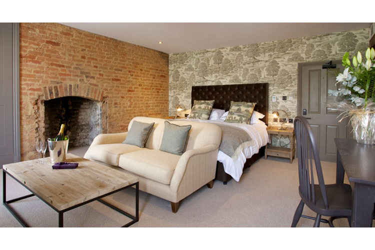 Classic Space - Kings Head Hotel - Cirencester