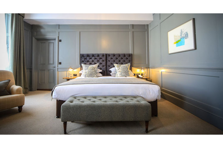 Feature Space - Kings Head Hotel - Cirencester