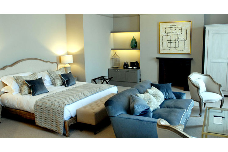 Indulgent Space - Kings Head Hotel - Cirencester