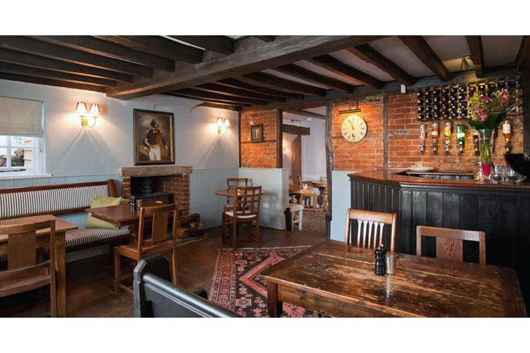 Restaurant - The Black Horse - Fulmer