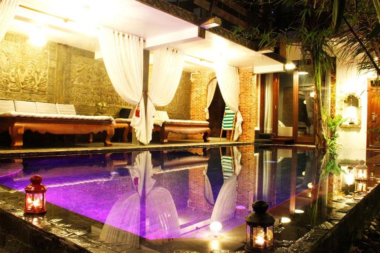 Pool Night View - Cambana d'Angkor Suites - Siem Reap