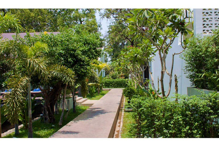Garden - Lynnaya Urban River Resort - Siem Reap