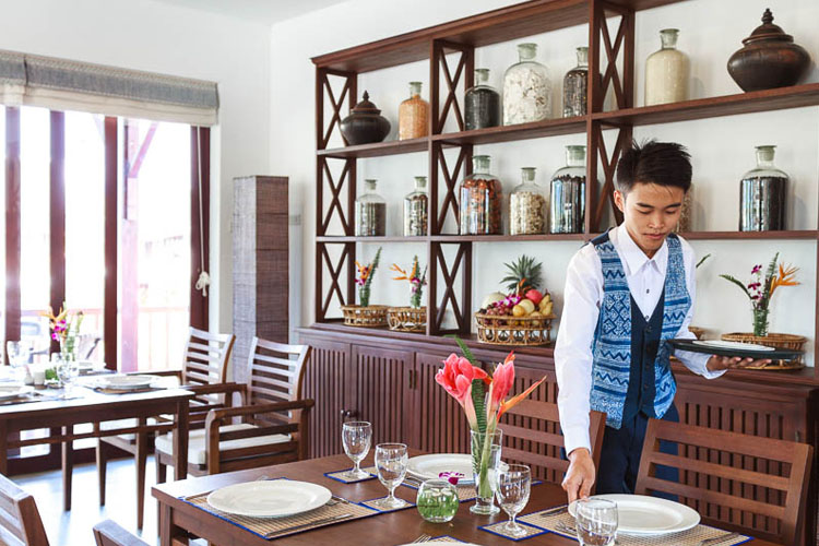 Nam Song Bar and Restaurant du Crabe d Or - Riverside Boutique Hotel - Vang Vieng