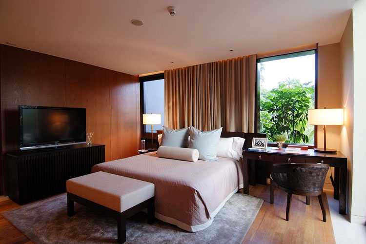 Manor Bedroom - The Club at Capella Singapore - SINGAPORE