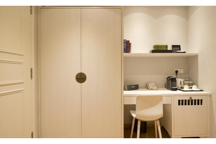 Suite - Hotel Adonis - SINGAPORE