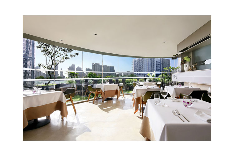 Rabbit Stash Restaurant - Wangz Hotel - SINGAPORE
