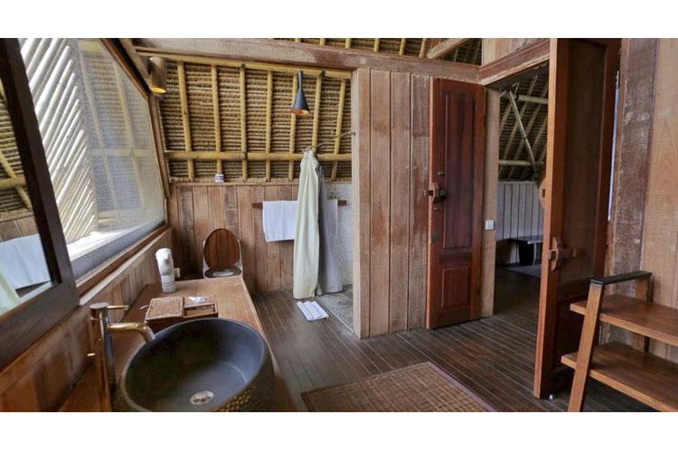 Bathroom - Jeeva Beloam Beach Camp - Lombok Island