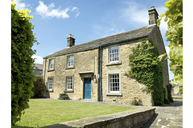 Devonshire arms at pilsley ein boutiquehotel in derbyshire for Great small hotel