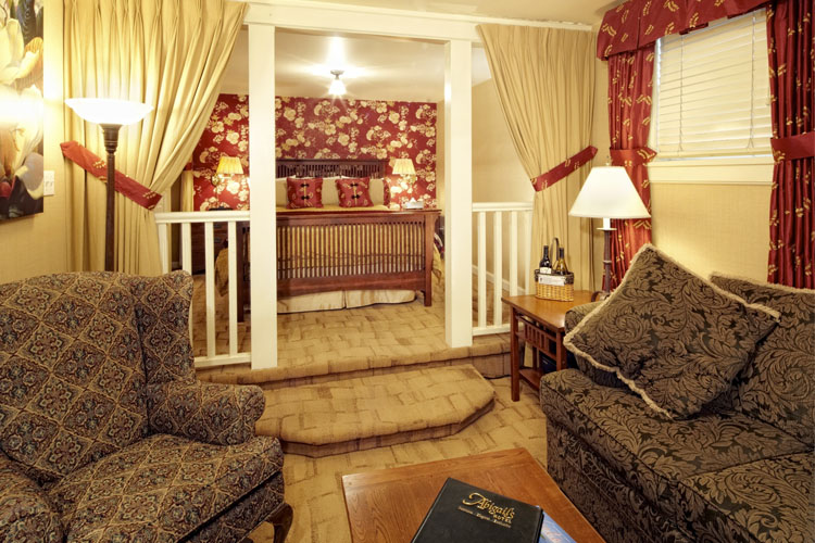 Ruby Queen Room - Abigail's Hotel - Victoria