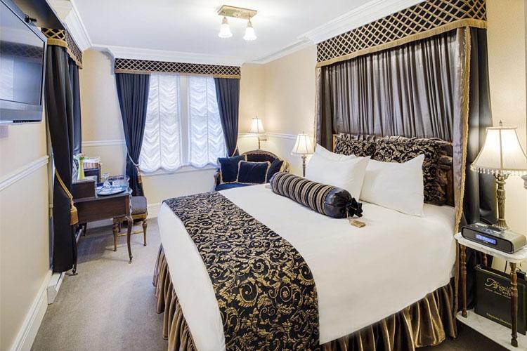 Amethyst Room - Abigail's Hotel - Victoria