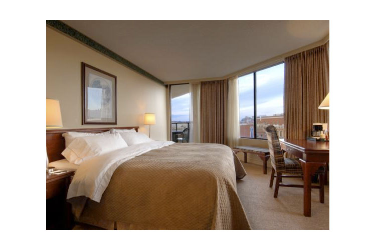 Standard King Room - Victoria Regent Waterfront Hotel & Spa - Victoria