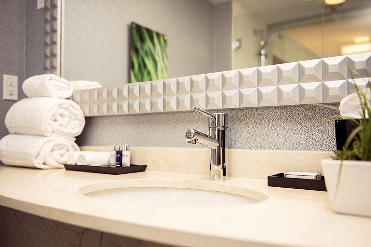 hotel blu vancouver a boutique hotel in vancouver. Black Bedroom Furniture Sets. Home Design Ideas