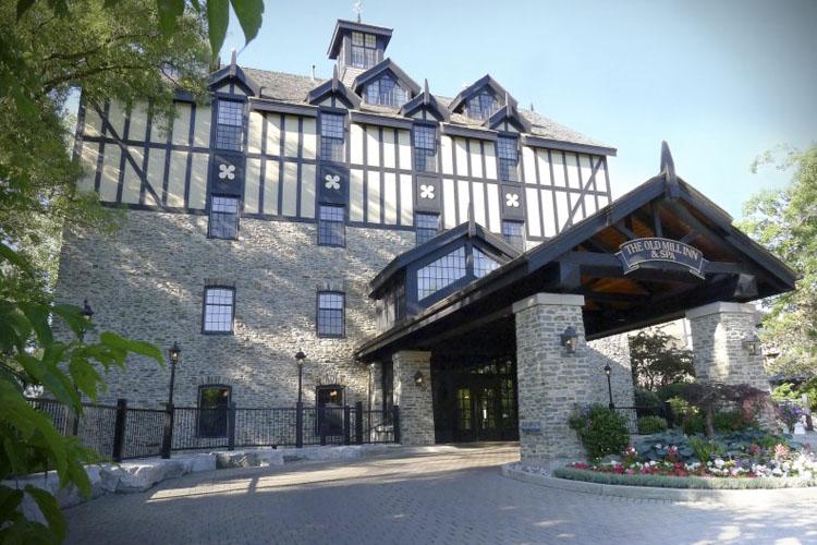 Facade - Entrance - Old Mill Toronto - Toronto