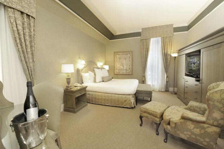 Premium King Suite - Old Mill Toronto - Toronto