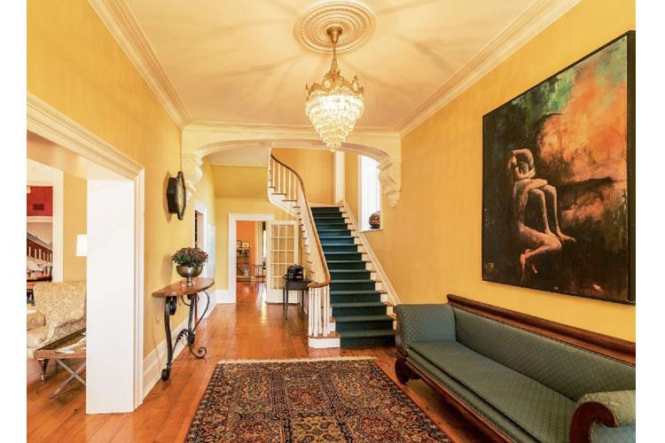 Interior - Denaut Mansion Country Inn - Delta