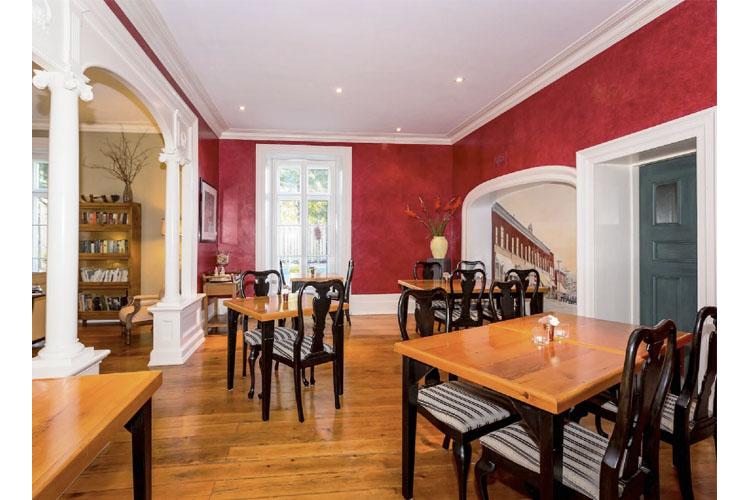 Dining Room - Denaut Mansion Country Inn - Delta