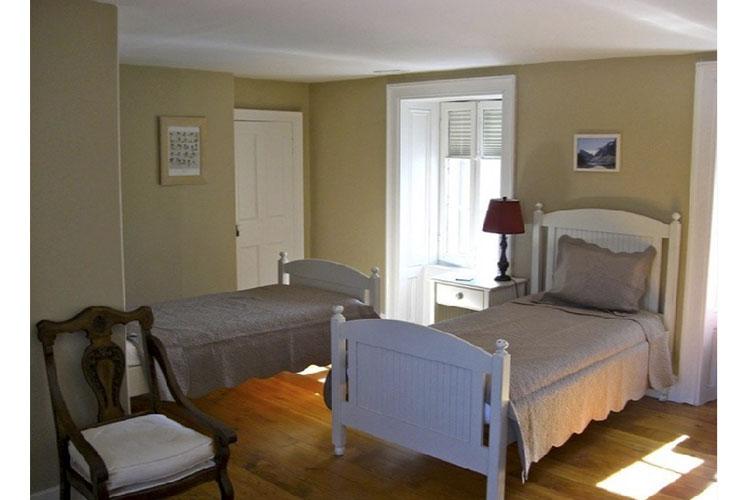Julia's Room - Denaut Mansion Country Inn - Delta