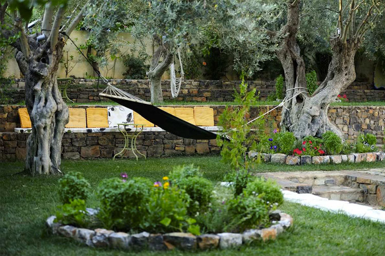Garden - Eleonas Studios - Poros