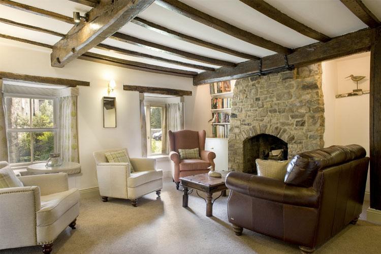Monks Lounge - The Rose & Crown - Barnard Castle