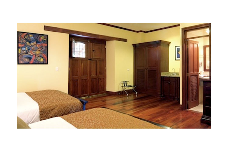 Double Superior Room - Hotel Plaza Colon - Granada
