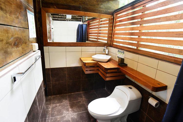 Bathroom - Jamu Lodge - Puerto Montúfar