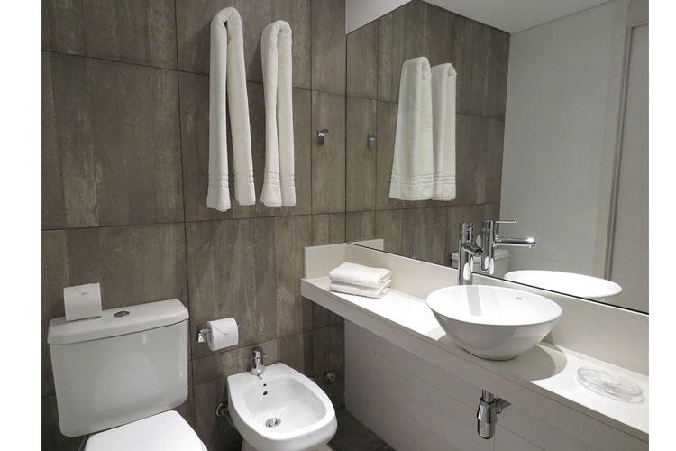 Bathroom - Smart Hotel Montevideo - Montevideo
