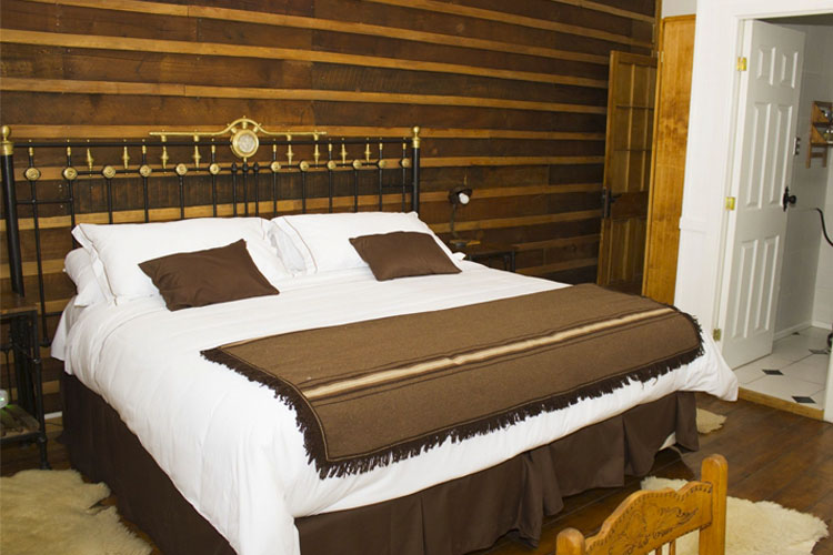 El Herrero Double Room - Hotel la Yegua Loca - Punta Arenas