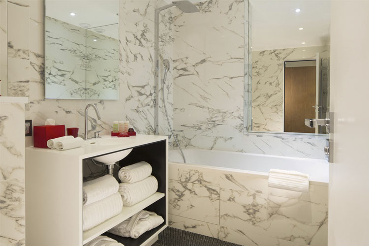 Bathroom - Hotel de Seze - Paris