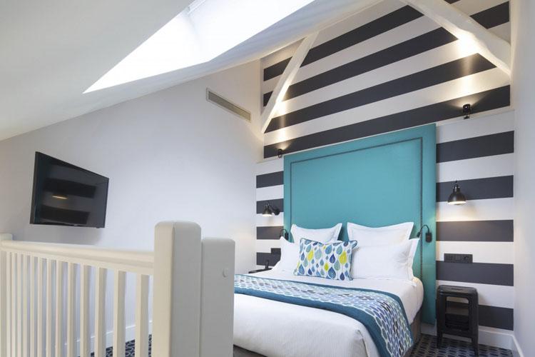 Top Floor Room - Hotel Fabric - Paris