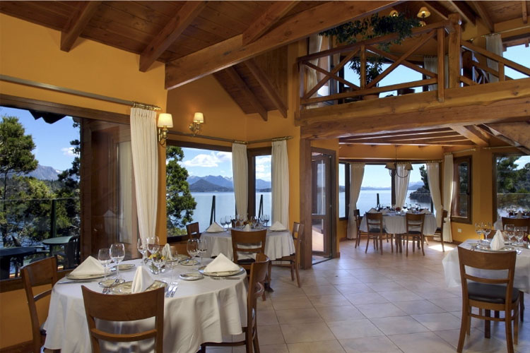 Dining Room - Charming Luxury Lodge & Private Spa - San Carlos de Bariloche
