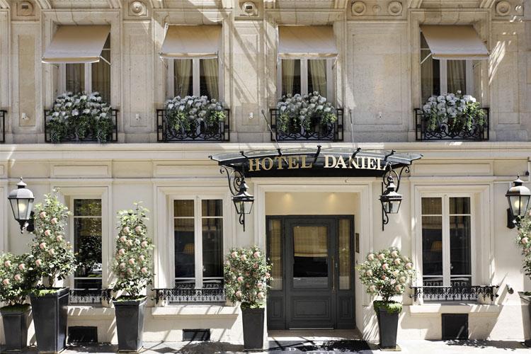 Facade - Hotel Daniel Paris - Paris